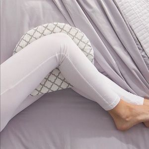 Bopping pregnancy wedge pillow
